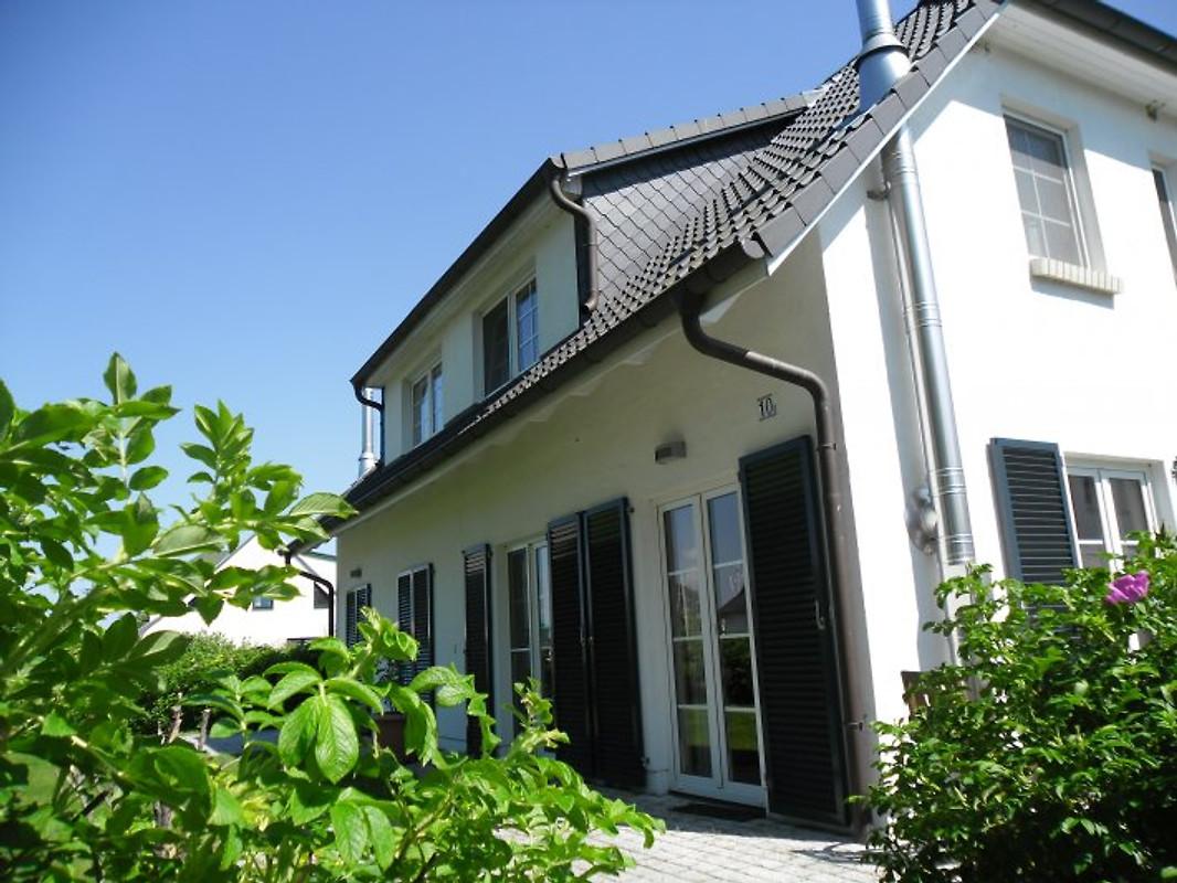 Landhaus godehus ferienhaus in sellin mieten for Sellin ferienhaus