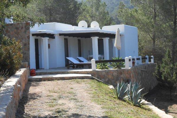 Finca per due a ibiza casa vacanze in cala vadella affittare for Ibiza casa vacanze