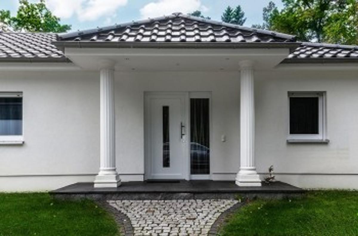 Hauseingang Mit Säulen : ferienhaus nun berlin ferienhaus in k nigs wusterhausen mieten ~ Indierocktalk.com Haus und Dekorationen