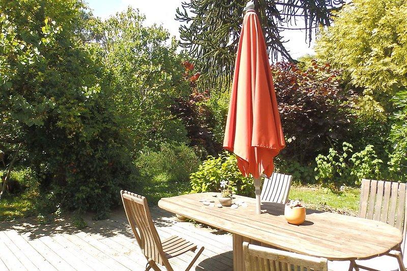 kologische villa mit kayak paddle ferienhaus in tremeoc mieten. Black Bedroom Furniture Sets. Home Design Ideas