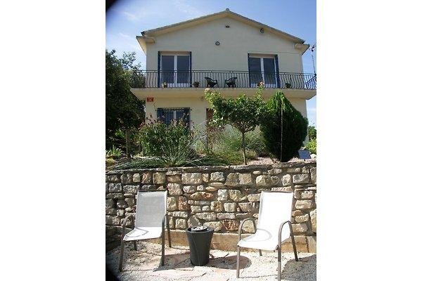 Villa les belles vues holiday home in lamalou les bains for Les belles villas