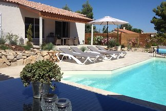Beautiful new villa, 6 people, heated private pool, 2 bathrooms, views