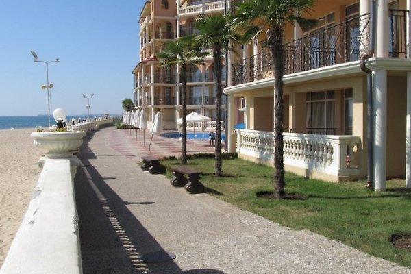 Robinson beach apartments à Elenite - Image 1