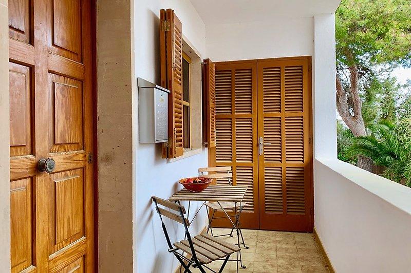 Eingangsbereich mit Hauswirtschaftsraum