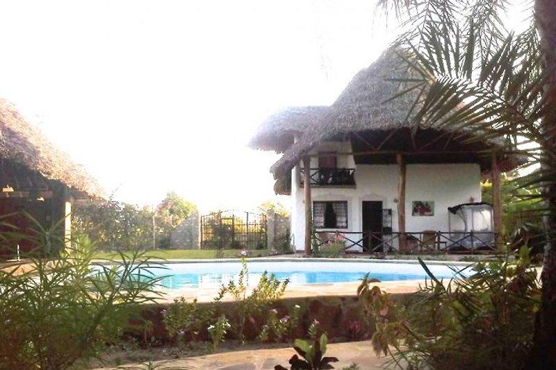 Coast Sun Gardens Cottage in Msambweni - immagine 2