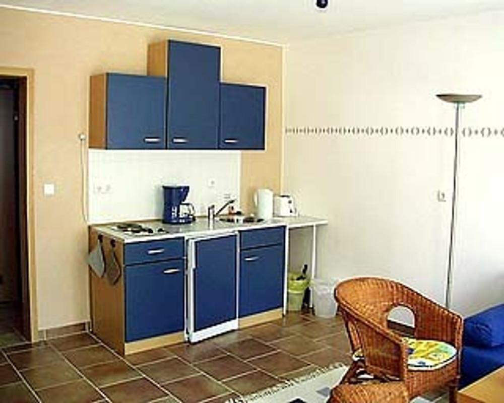 privatzimmer beate kl ser ferienwohnung in lohmar mieten. Black Bedroom Furniture Sets. Home Design Ideas