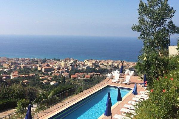 Villa del Conte en Tropea - imágen 1