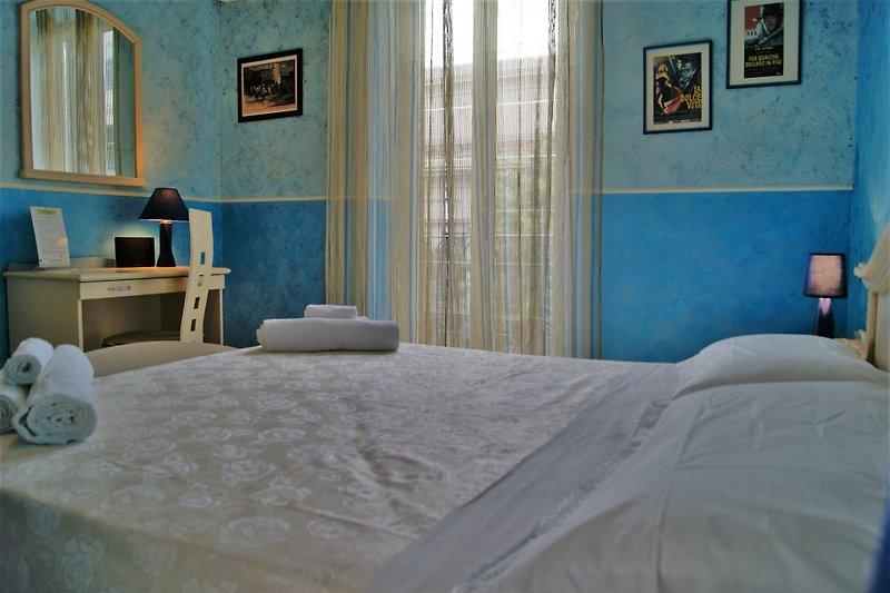 Schlafzimmer Azzura mit Balkon