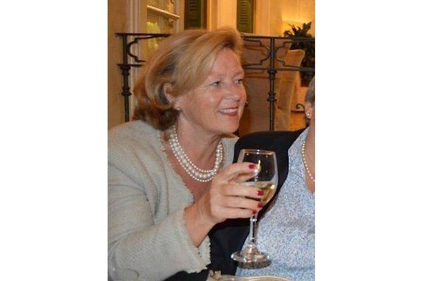 Frau C. Groenhoff