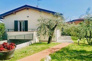 """Villa """"Cà Olea, 3 min. dal Lago!"""