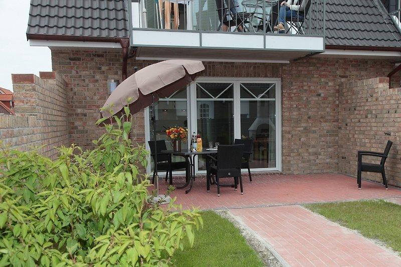 nein, kein englischer rasen, aber eine schöne Terrasse