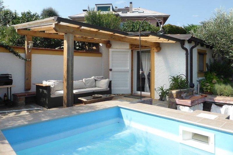 Terrasse mit Pool (3x3m)