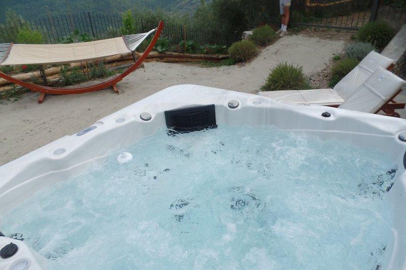 Der Pool, beheizt