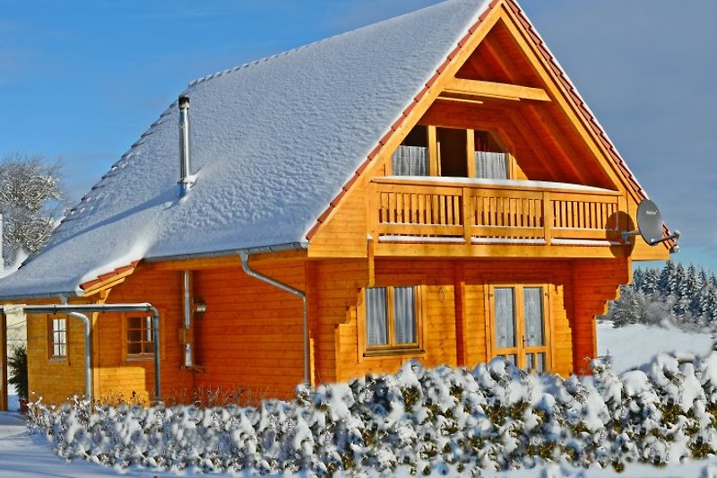 unser Jagdhaus im Winterkleid