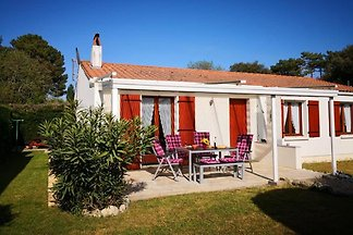 Holiday home Island Oleron; Sommerfeld