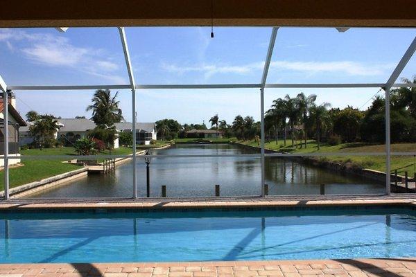 Poolbereich Villa Summertime