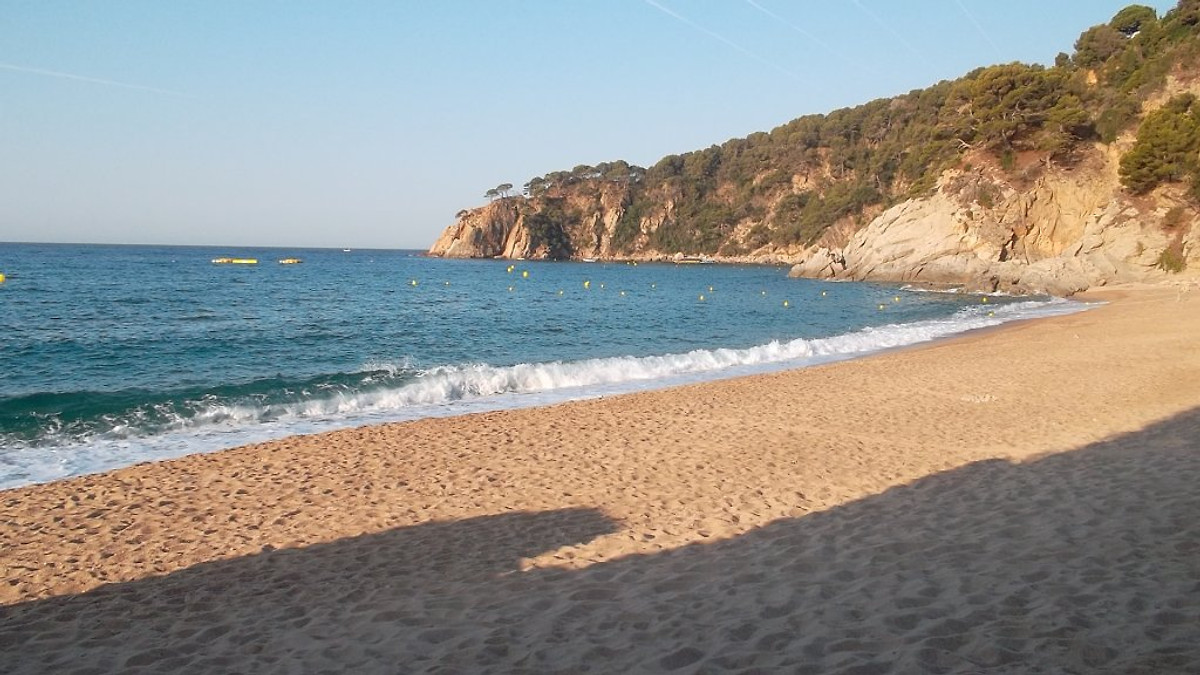 Can ronia vakantiehuis in tossa de mar huren - Houten strand zwembad ...