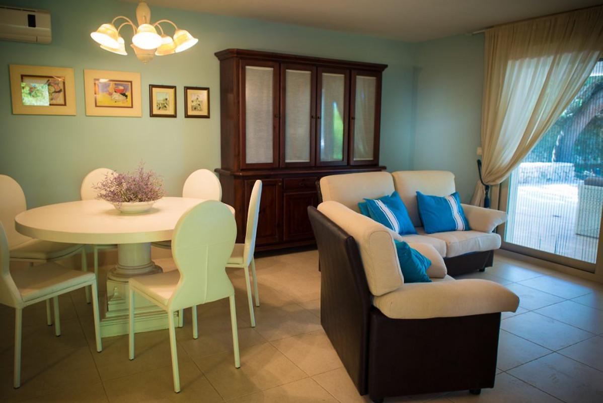 villa diana 4 mit garten ferienhaus in punta prosciutto mieten. Black Bedroom Furniture Sets. Home Design Ideas