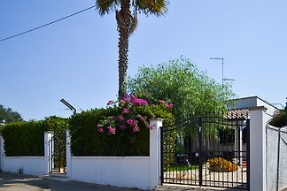 Villa near the beach Torre Lapillo