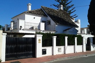 Villa Paloma in Benalmadena 20 pers