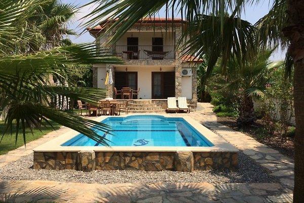 Garten mit privatem Pool