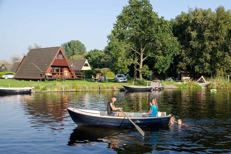 Bootfahren und Angeln direkt vor dem Haus