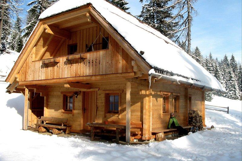 Wurzelhütte Winter