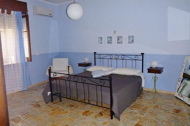 das blaue Doppelzimmer