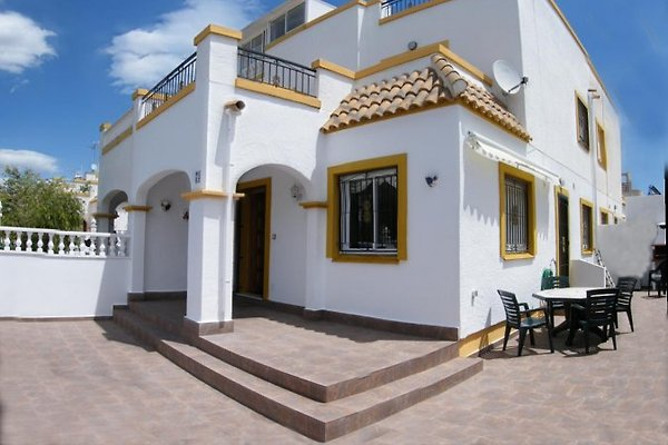 Sunny south facing villa  in Torrevieja - immagine 1
