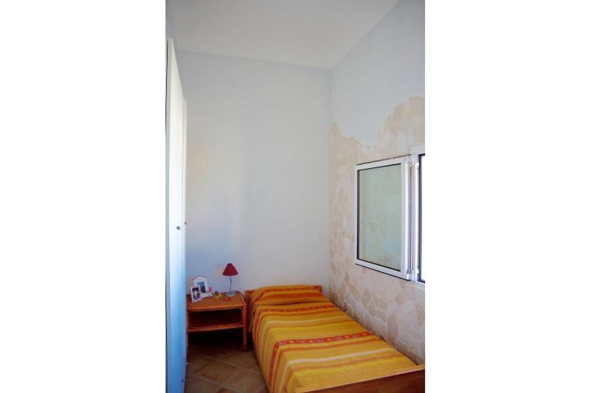 terrazza sul mare ferienwohnung in marina di ostuni mieten. Black Bedroom Furniture Sets. Home Design Ideas