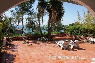 Villa Ada, terraza con vista mar