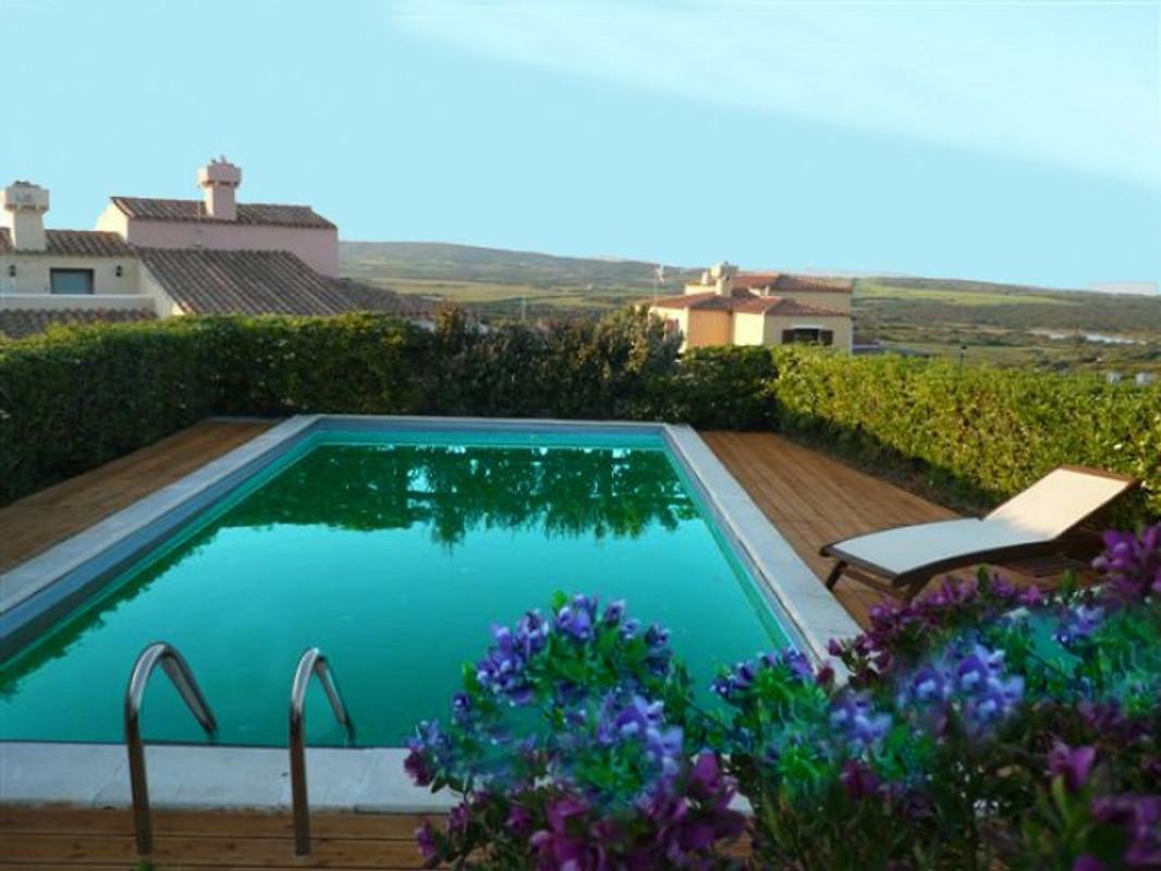 Piscine villa berto et jardin maison de vacances for Jardin villa austral punta arenas