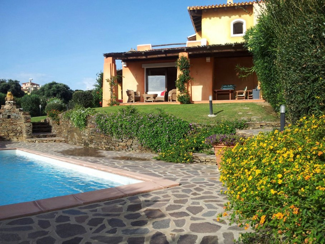 Villa giulia jardin priv et piscine maison de vacances for Jardin villa austral punta arenas