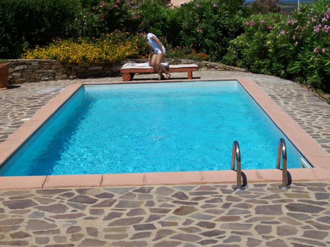 Villa giulia privat garten und pool ferienhaus in punta for Garten pool wanne