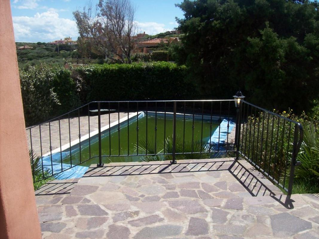 Villa astro privat pool un garten ferienhaus in stintino for Garten pool wanne