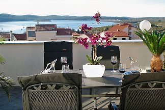 Exclusive, stylish, upscale apartment with sea views