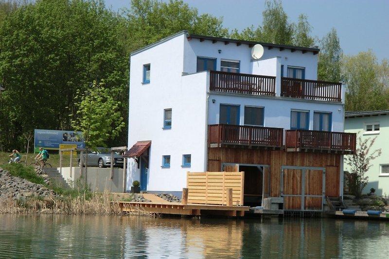 Ferienhaus sicht vom See