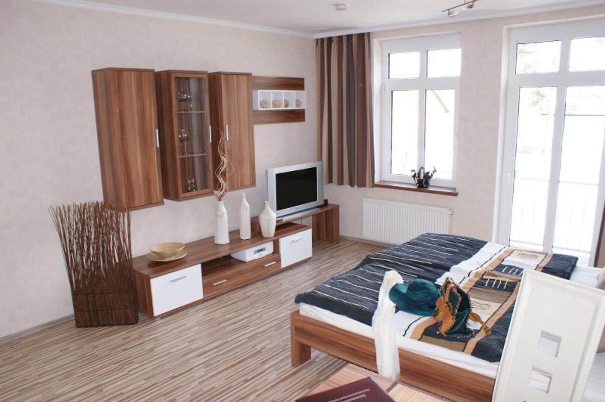 am haus kieferneck ferienwohnung in karlshagen mieten. Black Bedroom Furniture Sets. Home Design Ideas