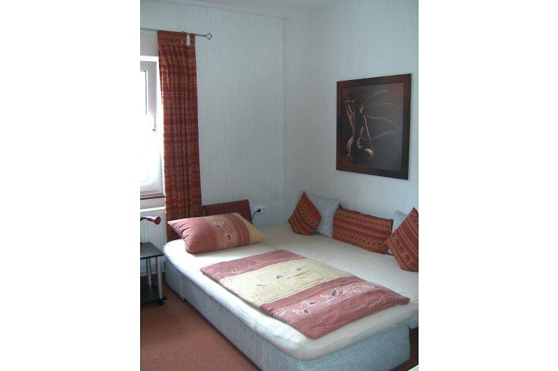 Einbettzimmer mit zusätzlicher Bettcouch