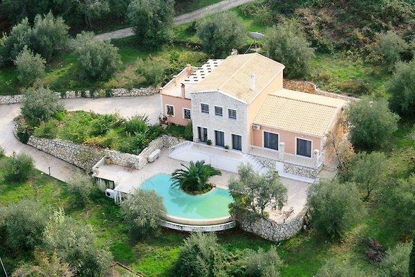 Villa 68 (Anreise Montags)  in Kassiopi - Bild 1