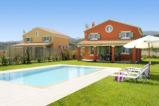 Holiday home in Almiros