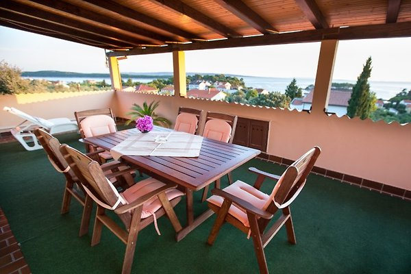 Apartment for 6 + 2 person in Rab (Stadt) - Bild 1