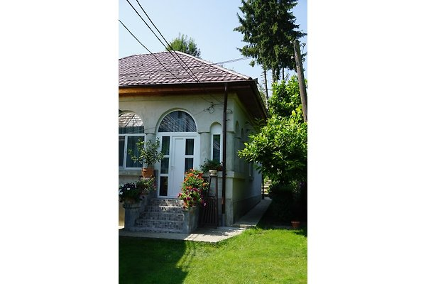 House Mura à Curtea de Arges - Image 1