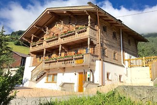 Superb chalet with 4 bedrooms for up to 12 persons