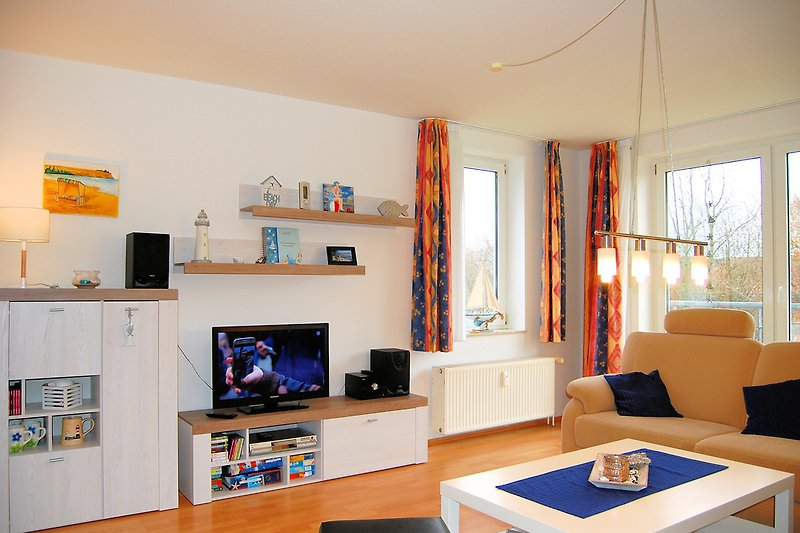 helles, neu eingerichtetes Wohnzimmer