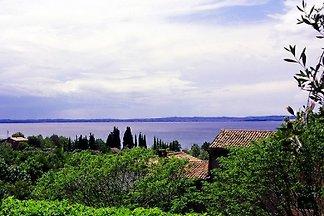 Villa con vista panoramica sul lago