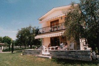 Seeblick - Villa in Anlage mit Pool