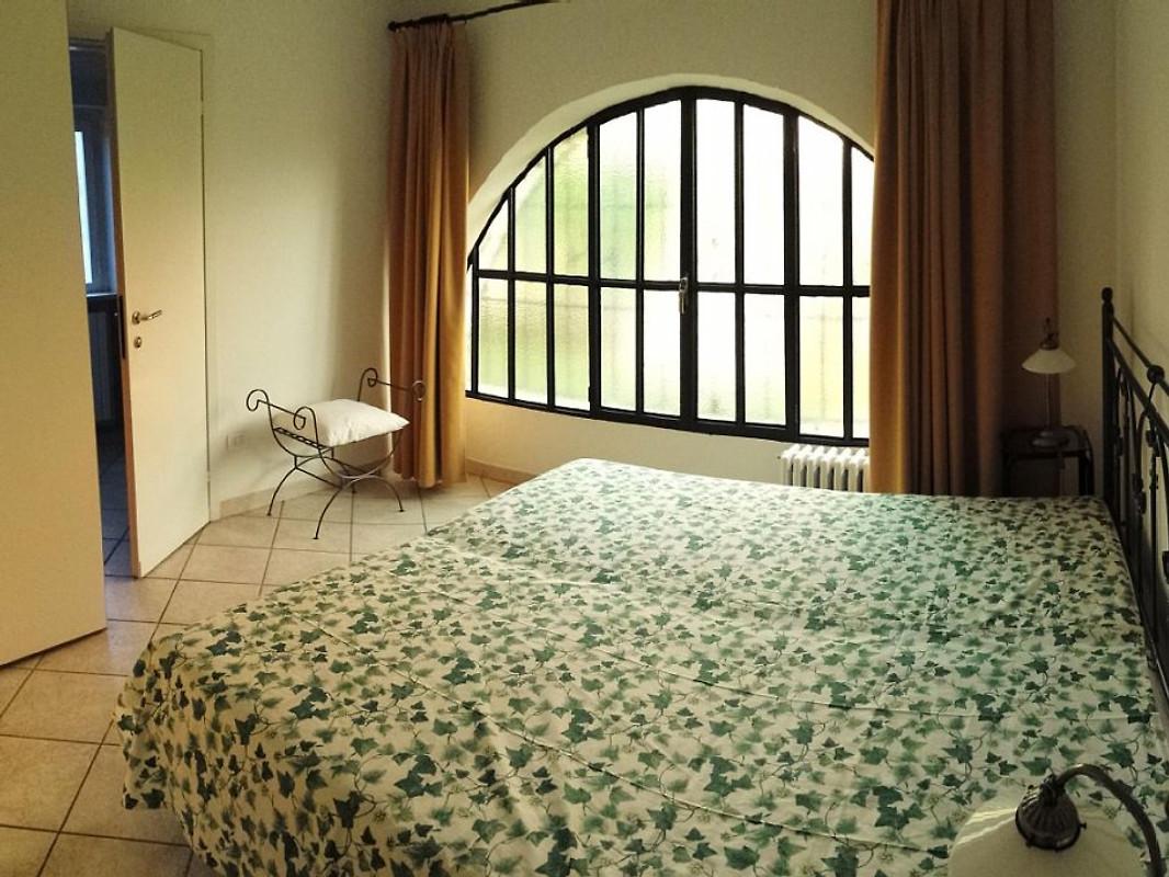 Apartamento en villa amplio jard n apartamento en bardolino for Apartamentos villa jardin cambrils