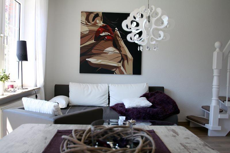 Das Wohnzimmer im Ferienhaus mit 46 Zoll Fernseher