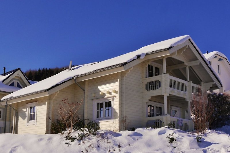 FerienBlockhaus im Winter (80m zum Skilift Sonnenhang)
